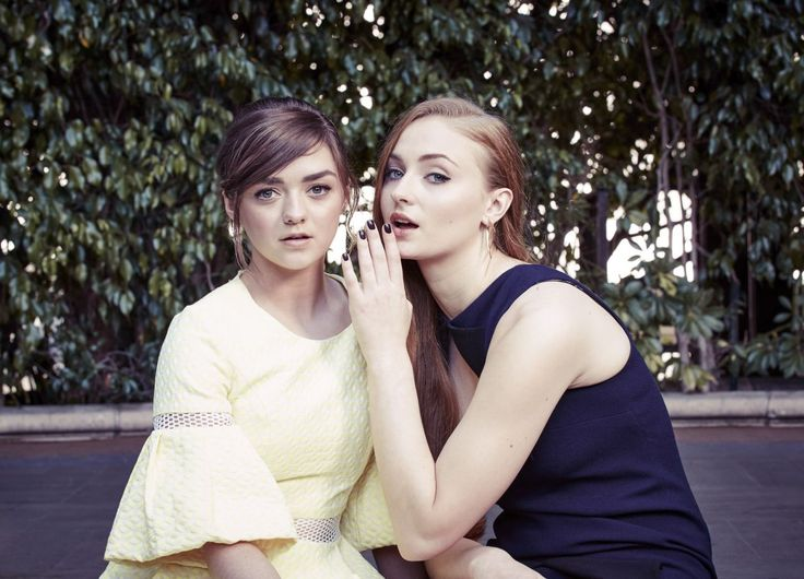 sophie-turner-maisie-williams-the-new-york-times-photoshoot-march-2015-part-ii-_6.jpg (1280×923)