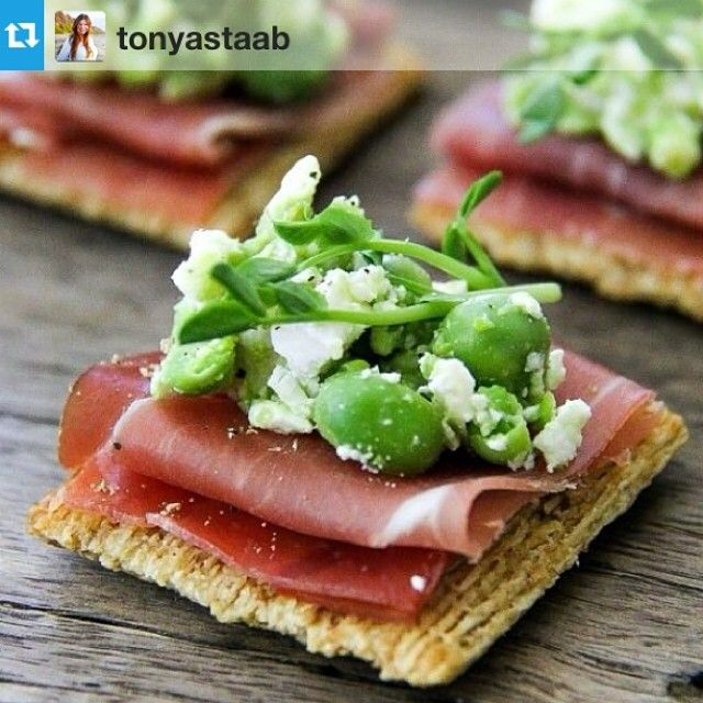 The perfect recipe for becoming an internet celebrity? Peas, #Triscuit, and your photo here. Follow in @tonyastaab's footsteps and enter our #triscuitsnackoff for a chance to meet @MarthaStewart in NYC. www.triscuitsummersnackoff.com
