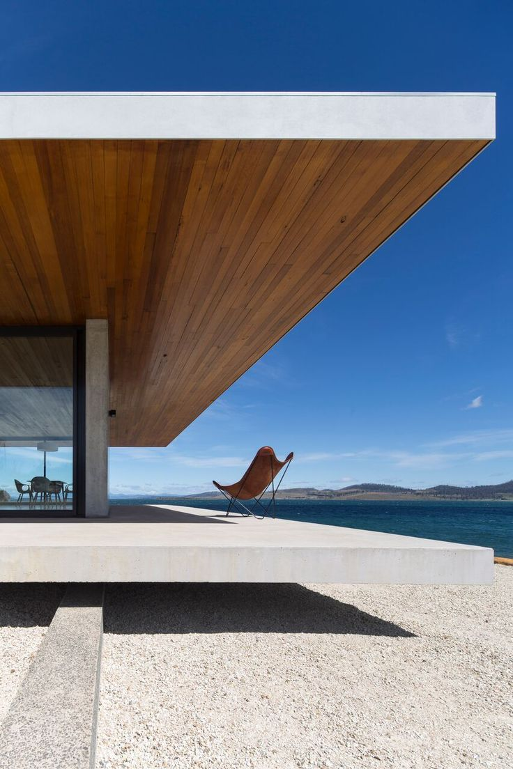 When Tasmanian Architect Stuart Tanner and his clients had compatible design ideas about how a home should interact with its environment, they together formed the beginnings to a grand end result. The Younger House in Dunalley, Tasmania is a striking home paying true testament to that fusion of like-minded thinking.