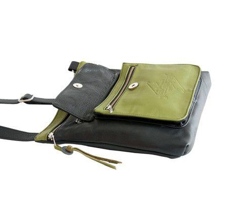 Pocket Purse www.indiansummerleather.com #purses #handbags #canada #fashion