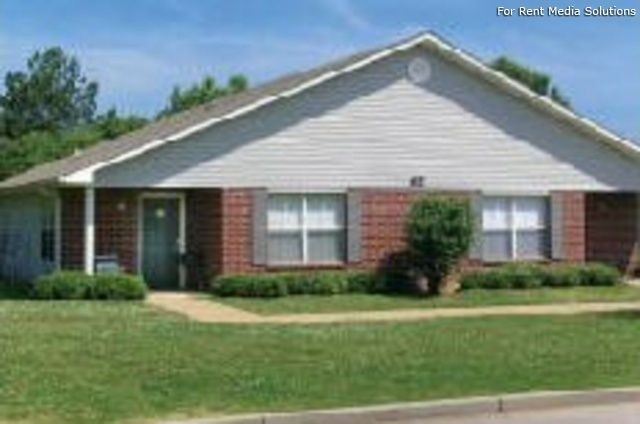 Memphis, TN apartments for rent - Greenview Estates. $565 to $670, Address: Greenview Estates Apartments, TN 38128.  $565 to $670 # 1000058841  . In addition to information on real estate listing, research local schools, professionals and home values.