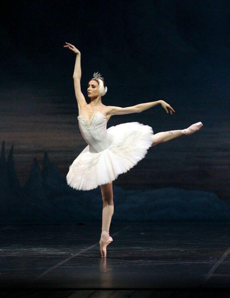 Svetlana Zakharova, Swan Lake. #Ballet_beautie #sur_les_pointes *Ballet_beautie, sur les pointes !*