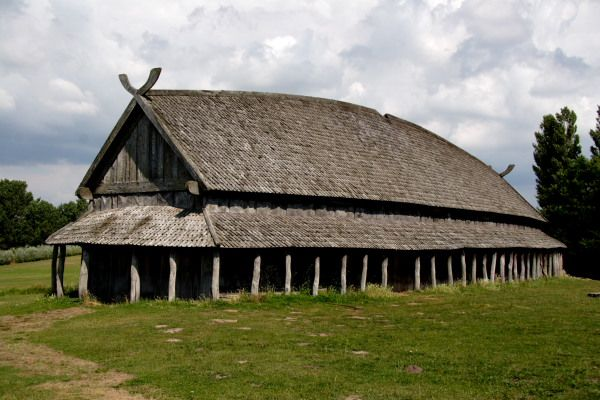 The reconstructed viking house at Trelleborg Viking Fortress... I ...