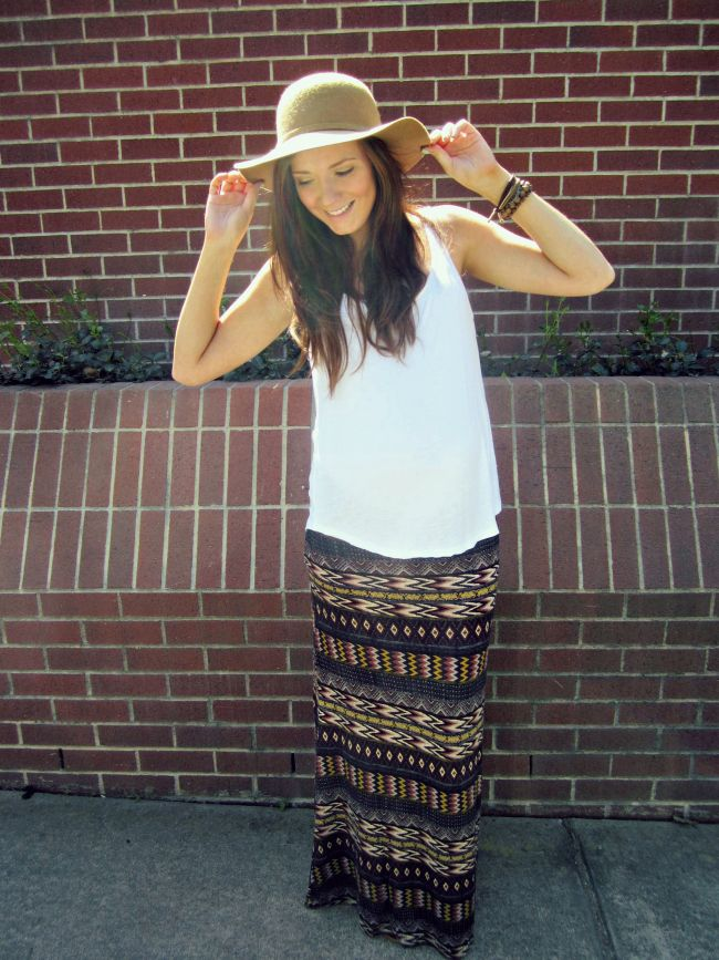 Blogger, Katie in her SWELL printed maxi skirt. http://www.swell.com/Womens-Skirts?utm_source=Katie%20Did%20What&utm_medium=blog&utm_content=Swell%20Council%20Aztec%20Print%20Maxi%20Skirt&utm_campaign=Katie%20Did%20What