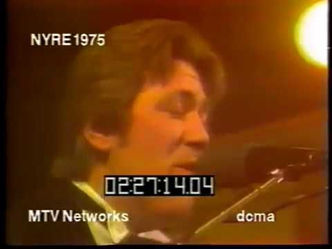 """Terry Kath and Chicago """"Dialogue Part 1 & 2""""  1975 New Year's Rockin' Eve"""