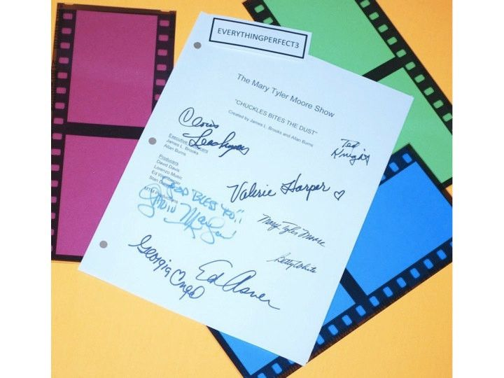 The Mary Tyler Moore Show TV Episode Autographed: Mary Tyler Moore, Ed Asner, Valerie Harper, Gavin MacLeod, Ted Knight, Betty White