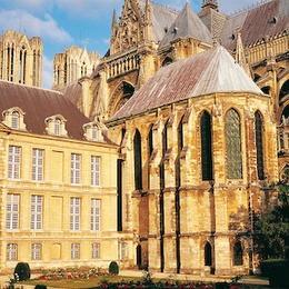 Cathédrale de Reims et Palais du Tau ( (Moyen-Âge) ©Editions Gelbart / Jean-Jacques Gelbart