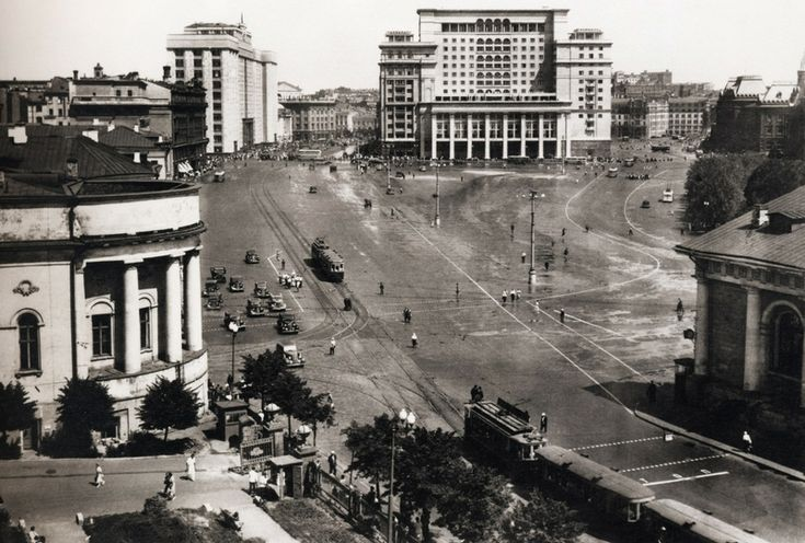 Manezhnaya square, 1930s