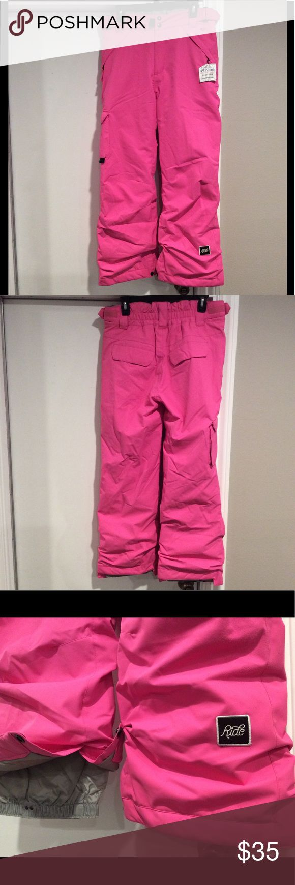 Ride Snowboard Ski Pants Women's Small The pants are in Excellent Preowned Condition   They are a youth XL 18 They fit like a Women's Medium Petite Look at the measurements on the chart.   I also sell on Craigslist Los Angeles Ride Pants