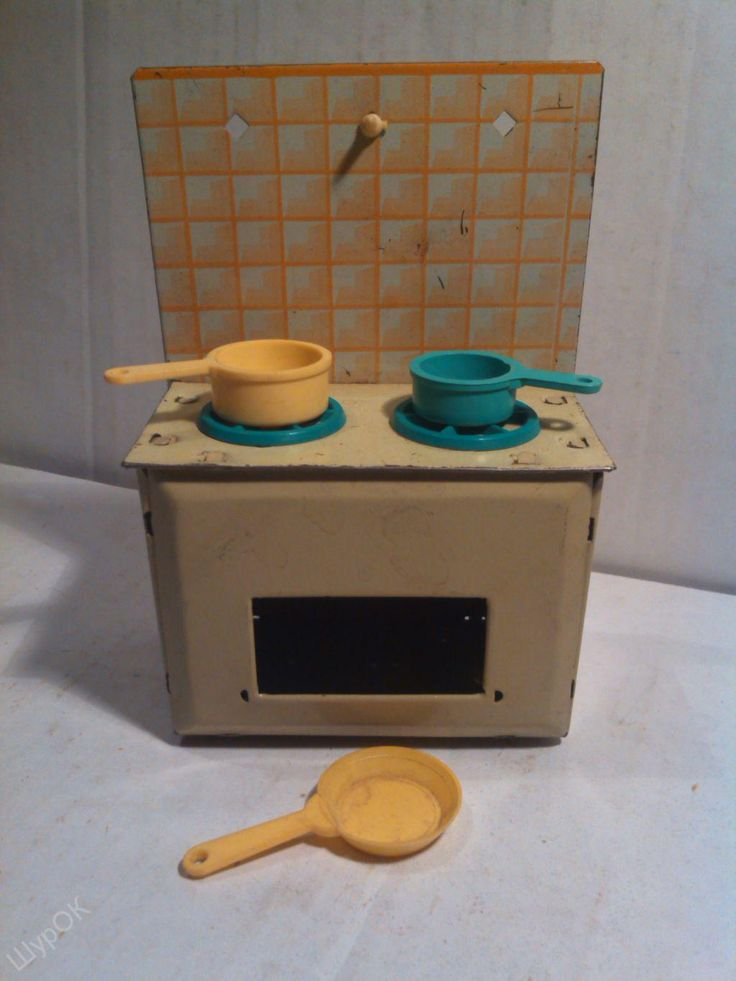 Игрушечная жестяная плита с посудой. Игрушки СССР - http://samoe-vazhnoe.blogspot.ru/ #игрушки_кухня