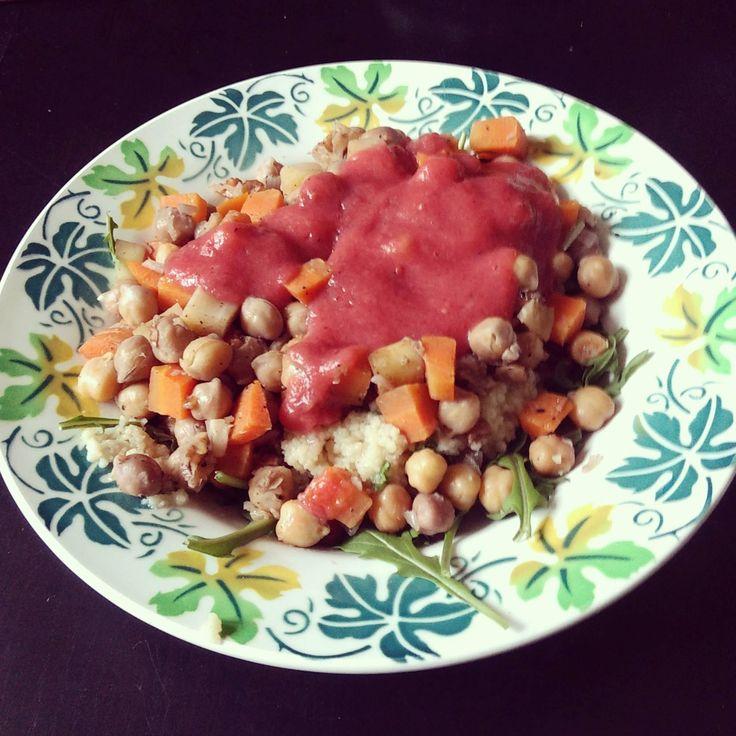 Couscous salade met cranberrie-appel saus