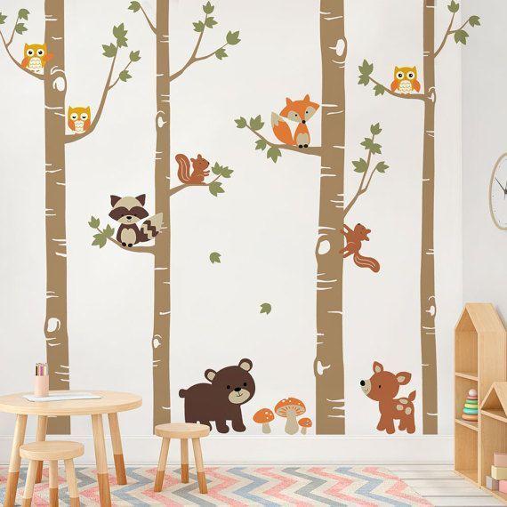 Birken mit niedlichen Waldtieren, Wald Kinderzimmer