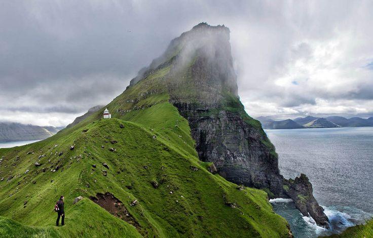 Färöer Natur im Färöer Inseln Reiseführer http://www.abenteurer.net/1615-faeroeer-inseln-reisefuehrer/