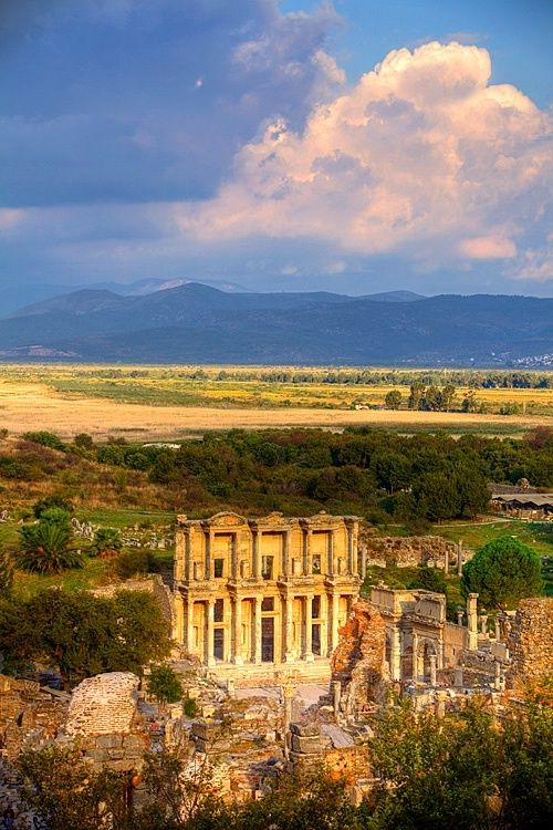 The library of Celsus at the Greek and Roman ruins of Ephesus, Selcuk, Turkey
