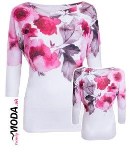 Moderný pulóver s atraktívnou potlačou ružových kvetov vo veľkostiach i pre moletky.-trendymoda.sk