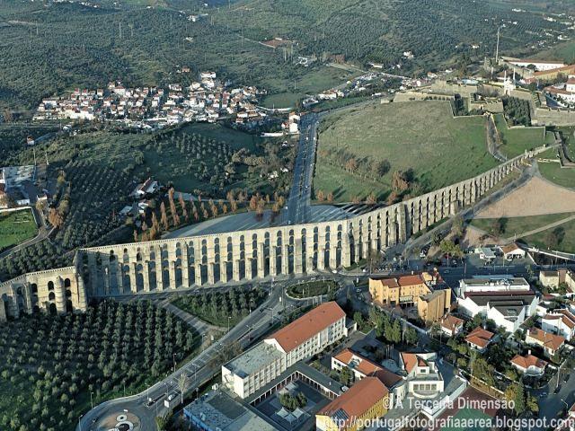 O Aqueduto da Amoreira, situado na cidade de Elvas, possui uma extensão de 7.790 metros, com 843 arcos com mais de cinco arcadas de altura e torres de 30 metros, era a única fonte de agua potável para a Vila de Elvas. A sua construção, ficou a cargo dos arquitectos da Casa Real Francisco Arruda,…