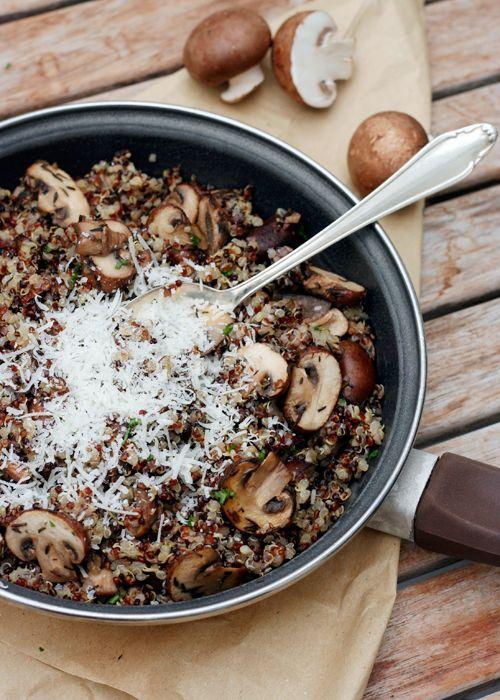 Pilz-Quinoa mit Knoblauch und Thymian - so lecker - leichtes Sommer Abend oder Mittagessen