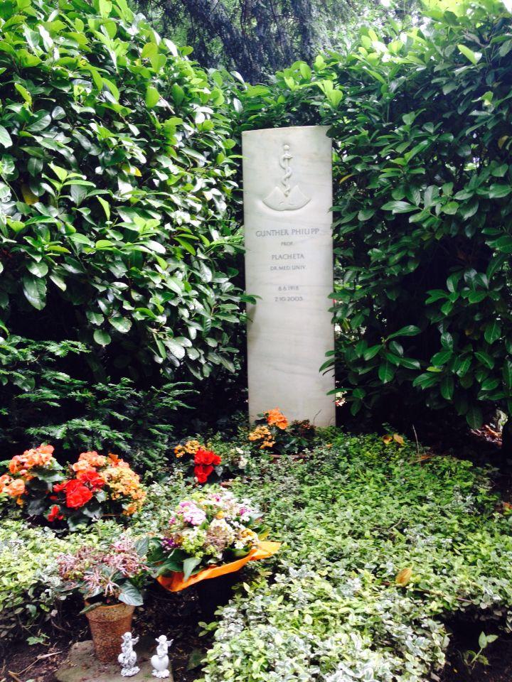 Gunther Philipp. Grabstätte des Arztes & Schauspielers auf Kölns #Melatenfriedhof