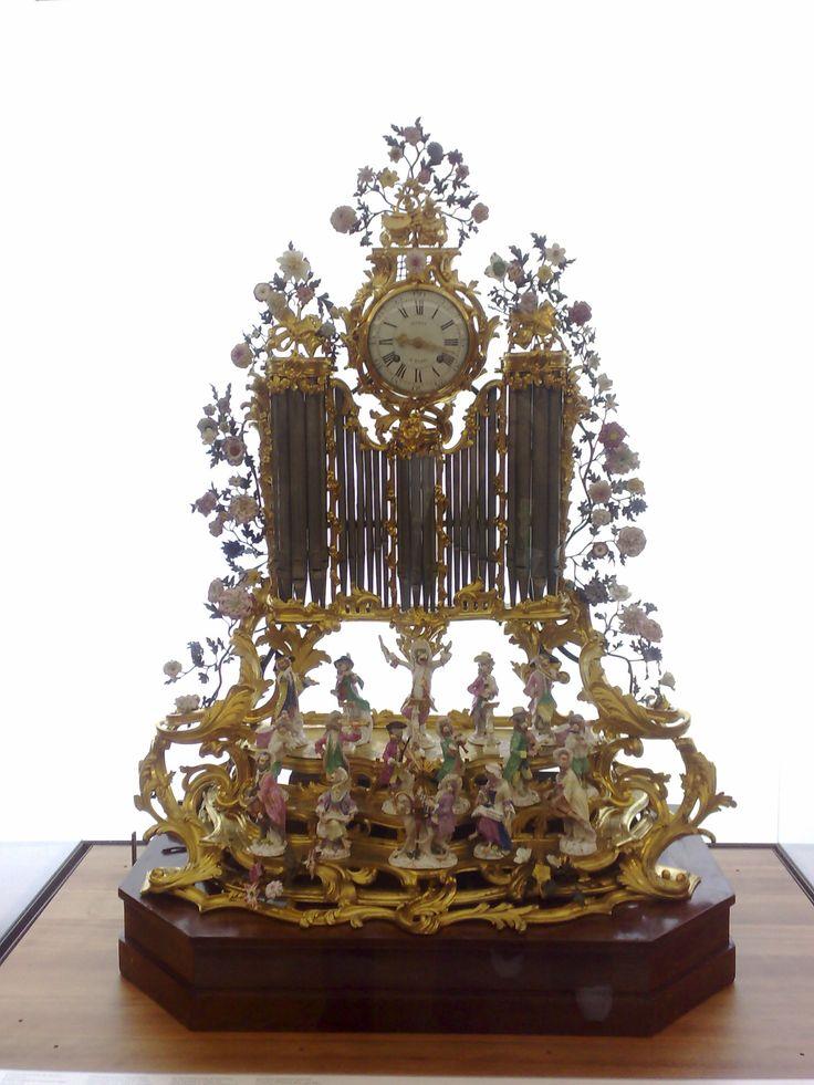 Organ with Meissen monkey orchestra, Petit Palais Paris