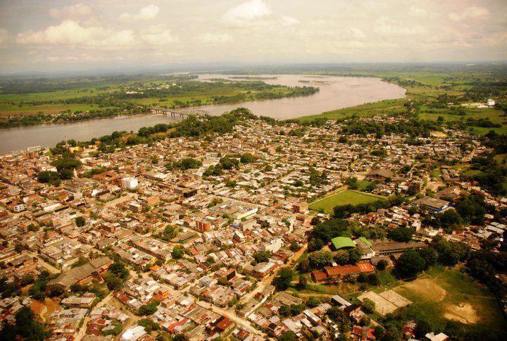 Fotografia aerea de Puerto Berrio, de norte a sur.