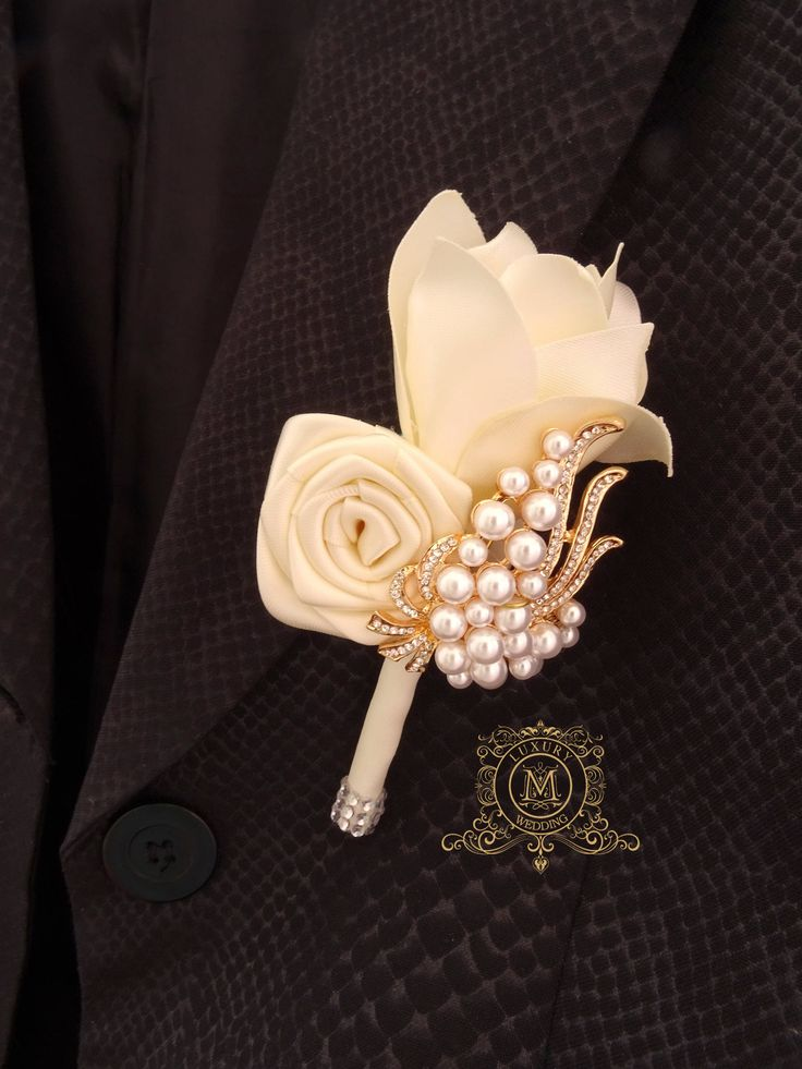 Ivory gold brooch boutonniere. Rose gold and cream pocket flower. Groom boutonniere. Jeweled boutonniere. by MemoryWedding on Etsy