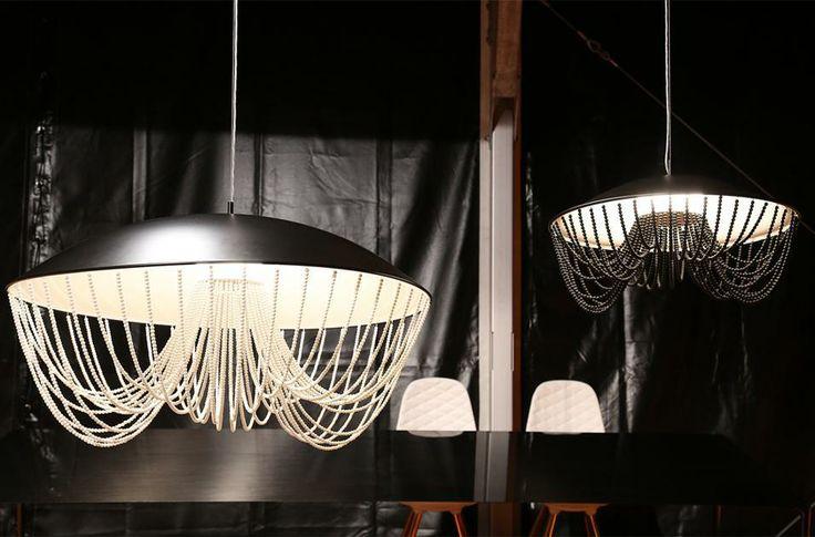 British design Per il suo decimo anno al Salone del Mobile, il marchio inglese Established & Sons porta a Milano alcuni dei nuovi nomi più interessanti del design internazionale. Nell'immagine il nuovo chandelier Portobello di Constance Guisset