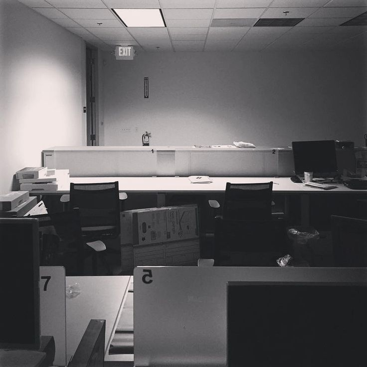Another long work night #hardwork #startup #gamer #love #likeforlike #office #night #mobilegames #gamer #mountainview #siliconvalley #app #appgames