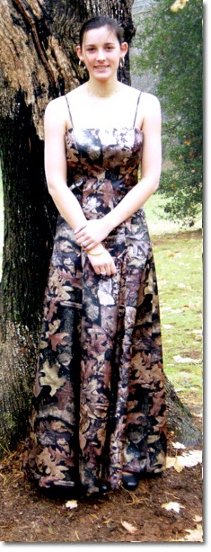 simple camo wedding dress(Duck Dynasty Style)  @Zach Evers Evers Norwood said you'd look great in it!!!