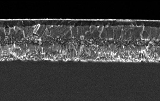 Engenheiros belgas desenvolvem células solares de perovskita com mais de 21% de eficiência
