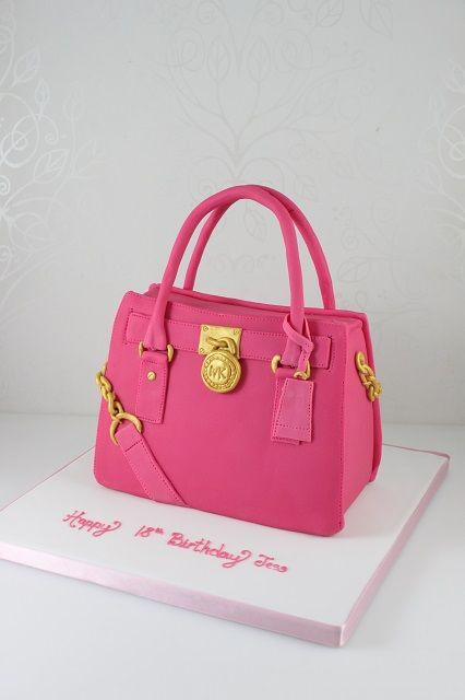 Michael Kors Handbag cake.jpg (426×640)                                                                                                                                                      Más - bags, travel, designer, camera, handmade, ysl bag *ad