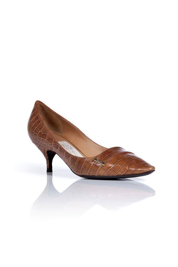 #Salvatore #Ferragamo #Cinnamon #Tweeny #Crocodile #Kitten, #Heel #Pumps #, #Braun für #Damen - Elegante Kitten Heels aus feinem, braunem Krokodilleder  >  Herrlich bequem durch typisch niedrigen Absatz  >  Schmal geschnitten, mit Spitze und dekorativem Schnallenelement  >  Upgrade für schlichte Hosenanzüge im Büro  >  Klassischer Look: mit Pencil Skirt und Bluse