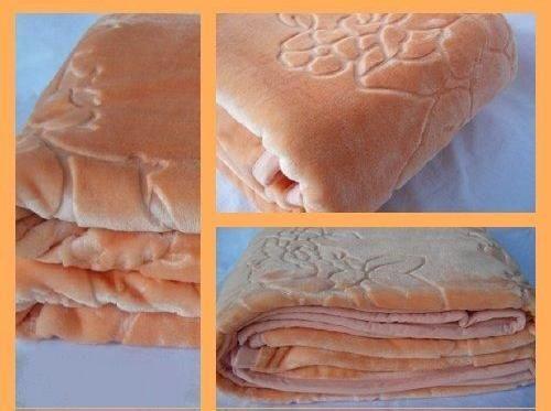 Luxusní deka lososové barvy s dlouhým vláknem