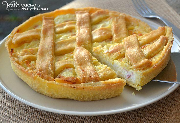 Crostata salata con ricotta e prosciutto cotto ideale per antipasti, feste, buffet pratica anche da portare per gite ed in spiaggia