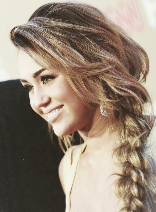Never understood why she cut all her beautiful hair off .. But besides that , LOVE THE BRAID <3