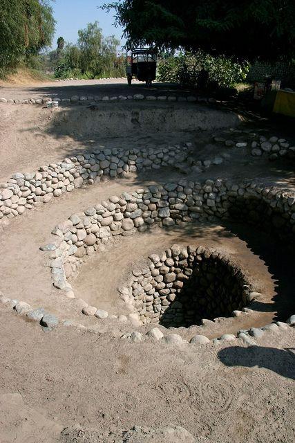 Acueducto subterraneo, Nazca, I ca, Perú.