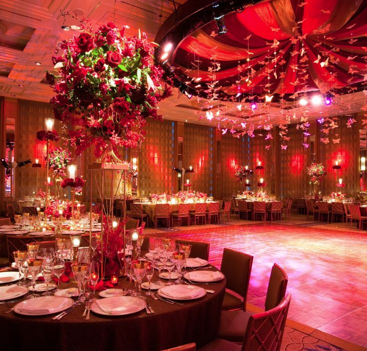 Fantastic Flower Centerpieces At This Rede Uplighting Wedding Reception