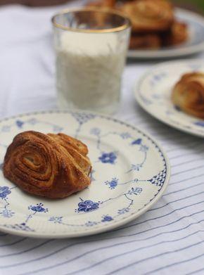 Het recept voor de echte Finse Kaneelbroodjes. De kaneelbroodjes in Finland zijn uniek in zijn vorm en het gistdeeg is rijk aan kardemon.