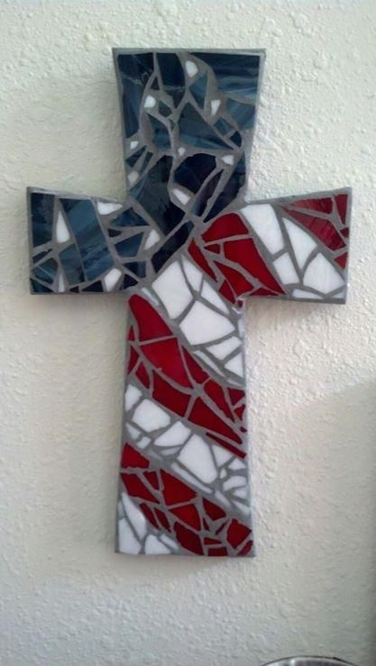 1000 ideas about mosaic crosses on pinterest wall for Broken glass mural