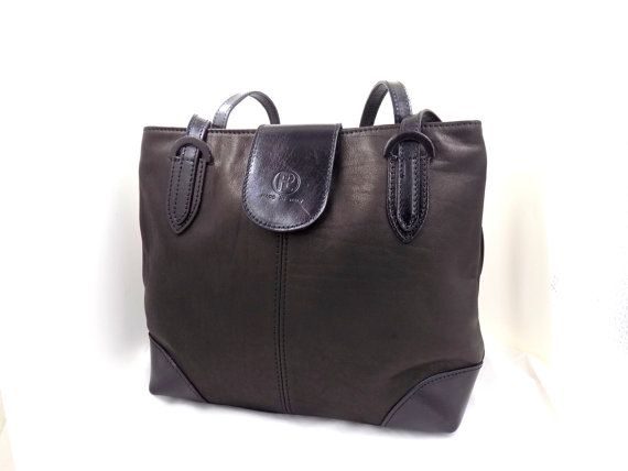 Check out this item in my Etsy shop https://www.etsy.com/listing/227705668/ladies-italian-leather-handbags-in-black