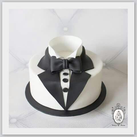 White tuxedo 007 cake