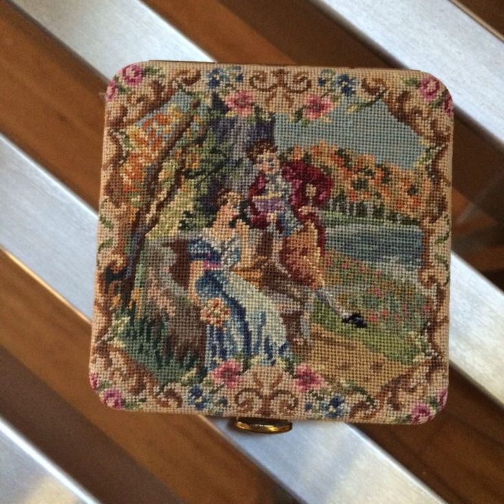 Vintage Embroider Powder Compact With Courting Couple