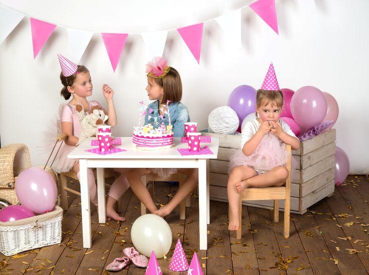 urodziny, balony, papierowe dekoracje, dekoracje urodzinowe, decorations pink, partybudziki.pl