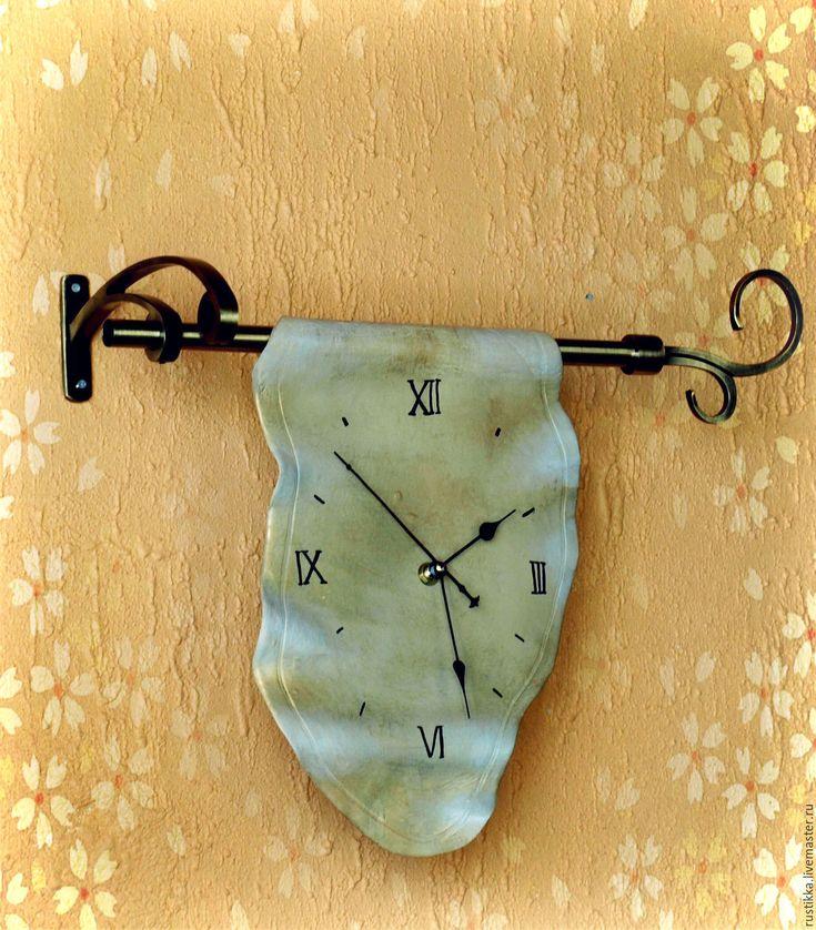 """Купить Настенные часы """"Убегающее время"""" - бежевый, часы для дома, часы для кухни, часы настенные"""
