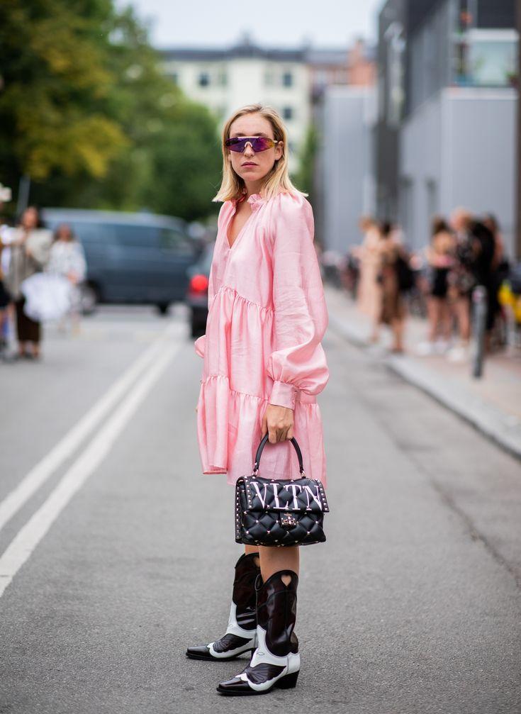 O vestido rosa foi atualizado! Veja 5 formas de usar a peça com muito estilo! | Cool street fashion, Street style, Copenhagen fashion week