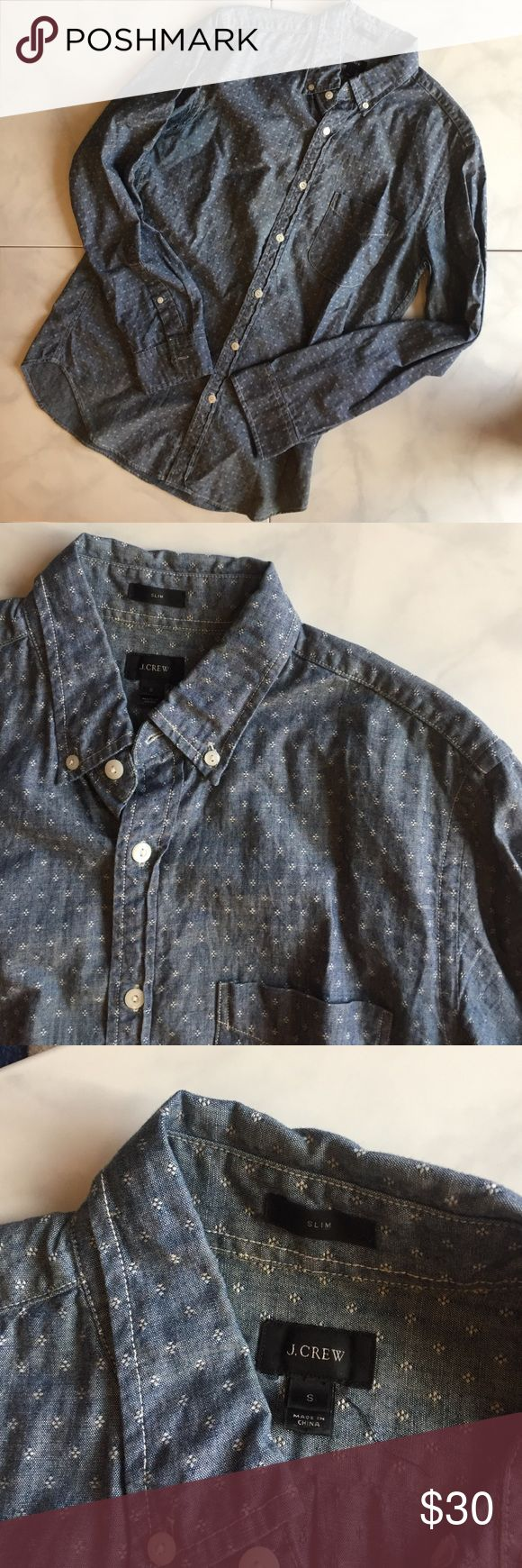 Men's J Crew Slim Chambray Top. Size S Chambray top with diamond pattern and pocket. Good condition. Slim fit. Size S. J. Crew Shirts Casual Button Down Shirts