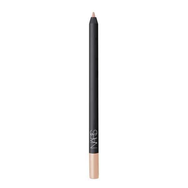 Larger Than Life Long-Wear Eyeliner takes liner to the next level. Rich creamy color that glides on smoothly with a completely budgeproof finish. Incomparable 12-hour wear with no smearing and no caking. Deeply dramatic shades named for the most iconic streets in the world. Long-wearing. Achieves rich intense color. Twist up delivery and built-in sharpener. 0.02 oz
