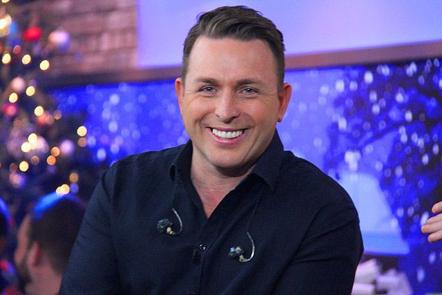 The Marilyn Denis Show   Celebrities   Johnny Reid's 'Christmas Gift to You'