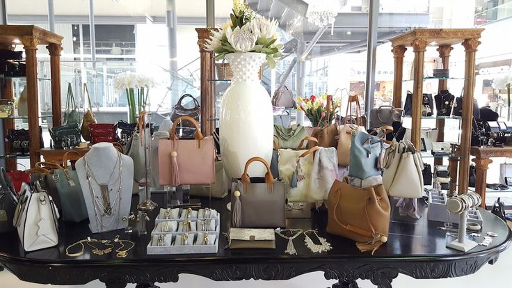 Just in time for Spring time soirees and summer celebration, Isabelina have unveiled their brand new Spring/ Summer 2016 handbag and jewellery collection exuding style and elegance.