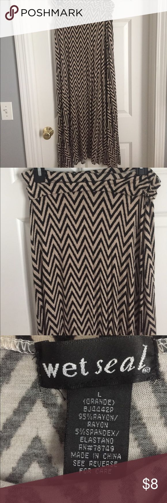 MAXI SKIRT! Tan and brown chevron maxi skirt in perfect condition! Wet Seal Skirts Maxi
