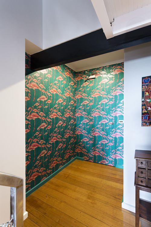 Entry design by interior designer Meredith Lee, photo by Elizabeth Schiavello. Flamingo wallpaper.